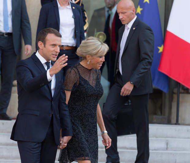 Photos Emmanuel Et Brigitte Macron Une Fete De La Musique En Amoureux Main Dans La Main Fete De La Musique Brigitte Macron Macron