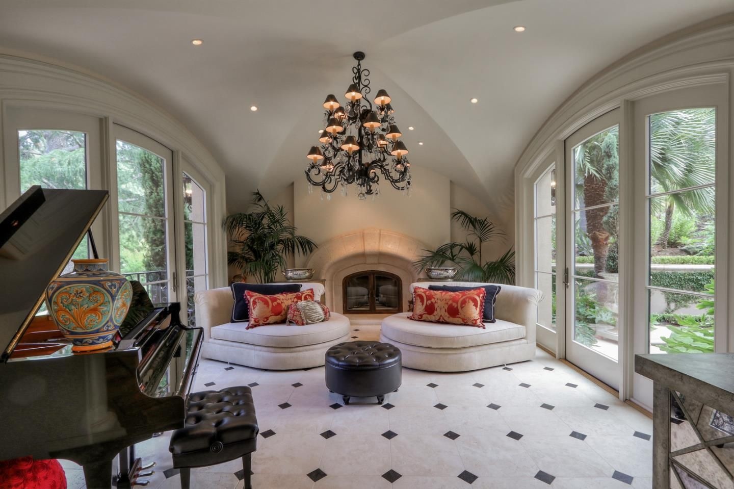 109 Sund Avenue Los Gatos, CA | $7,495,000 6 Beds | 5.5 Baths | 6,492 SQFT  For questions or for private showing contact:   Carolyn Botts  Compass P: (650) 207-0246 E: carolynb@apr.com     #homeforsaleinLosGatos #homesforsale #LosGatoshomes #LosGatos #houseforsale #forsale #realtor #compass  #realestate #luxuryrealestate #realestateagent #dreamhome #milliondollarhomes #ForSale #realestatemarket #homes #findhome #beautifulhome #firsttimehomebuyers #homebuyers  #housingmarket #siliconvalleyhomes #