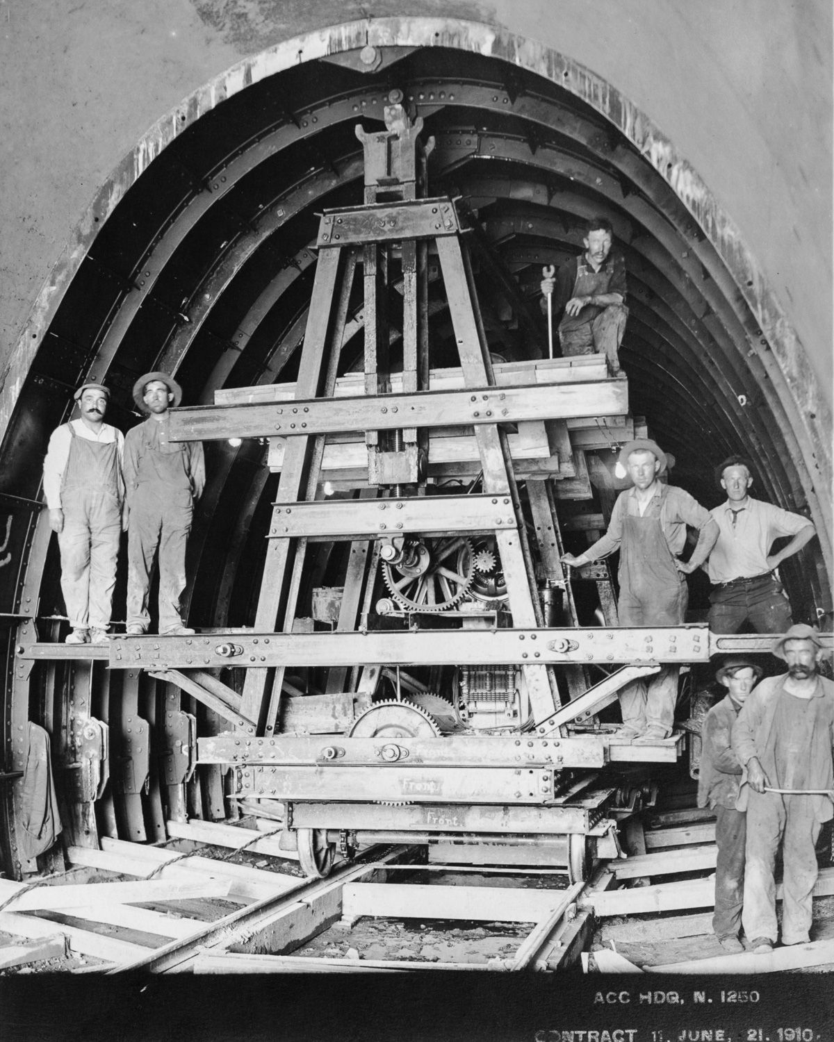 The Spectacular Engineering Feats That Brought Drinking Water To Nyc Underground Tunnels Underground Panama Canal