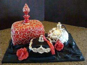 Perfume bottles inspired cakes.
