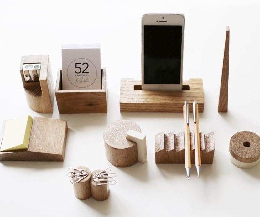 Wooden Desk Accessories Par Nasya Kopteva Et Sasha Braulov