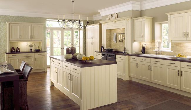 25 Awesome Traditional Kitchen Design | Cream kitchen cabinets ...