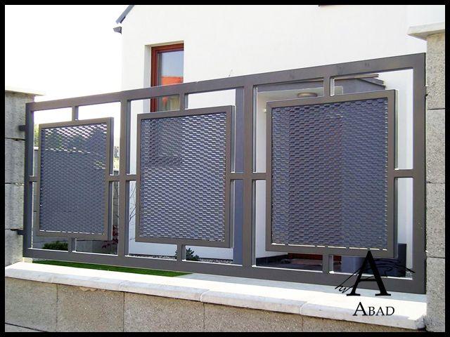 Las vallas metálicas aportan a su vivienda una mayor privacidad y