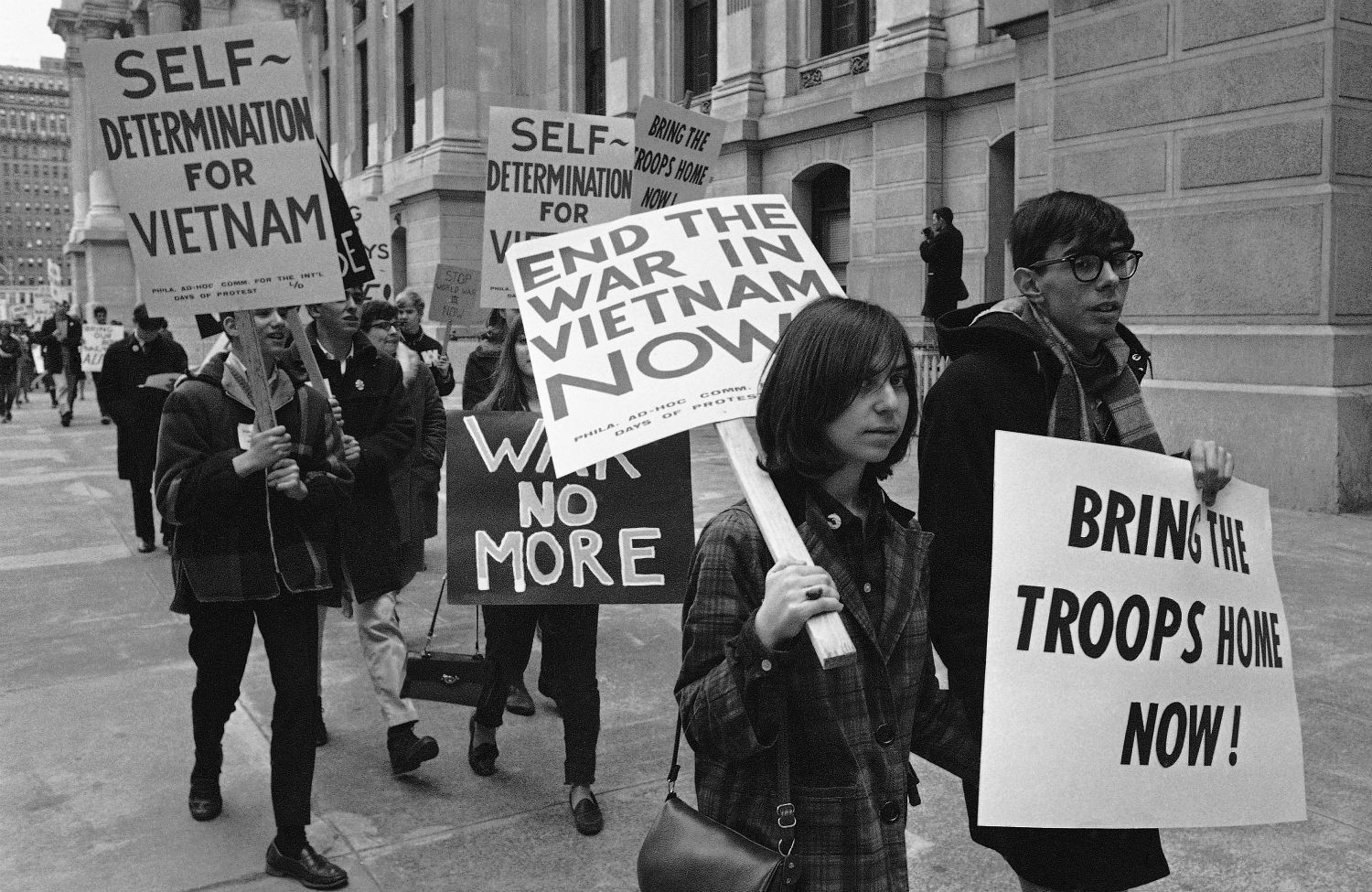 anti war movement vietnam essays A summary of the us antiwar movement: 1960–1970 in history sparknotes's the vietnam war (1945–1975) learn exactly what happened in this chapter, scene, or section of the vietnam war (1945–1975) and what it means perfect for acing essays, tests, and quizzes, as well as for writing lesson plans.
