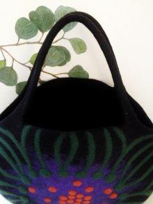 イソギンチャク♪ブローチ~~。ストールとお揃いだよ♪の画像    Atsuko Sasaki♪ 羊毛フェルト Felting…