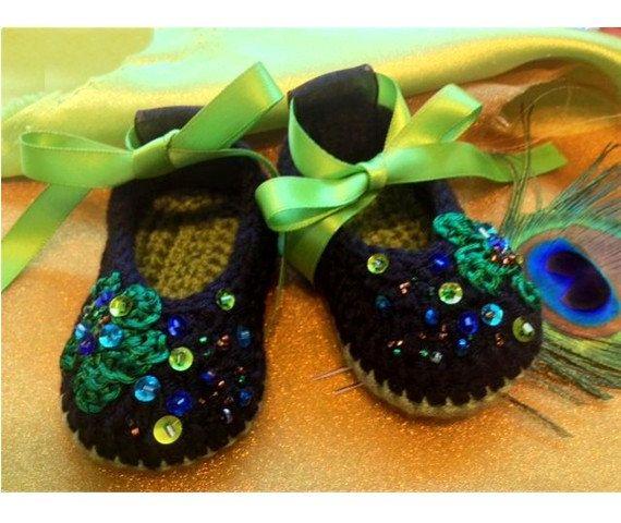 Crochet  Baby Booties, Crochet Booties,  Baby Girl Booties, Baby Crochet Booties. $25.00, via Etsy.
