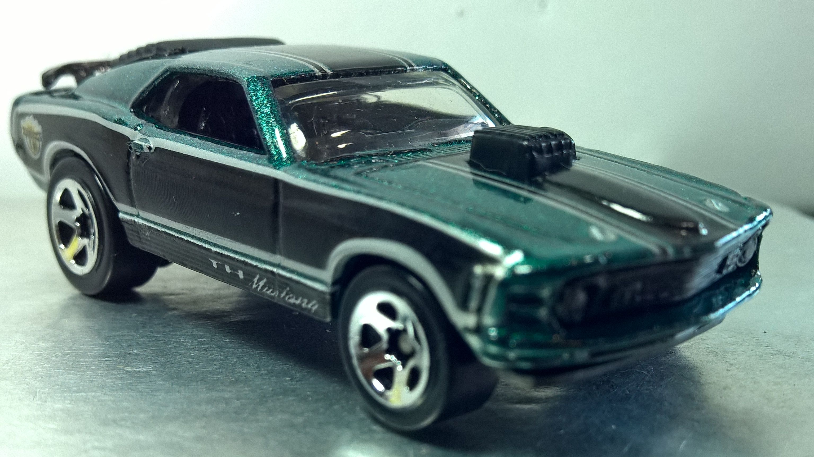 Hot Wheels 70 Ford Mustang Mach I Treasure Hunt Collector 939