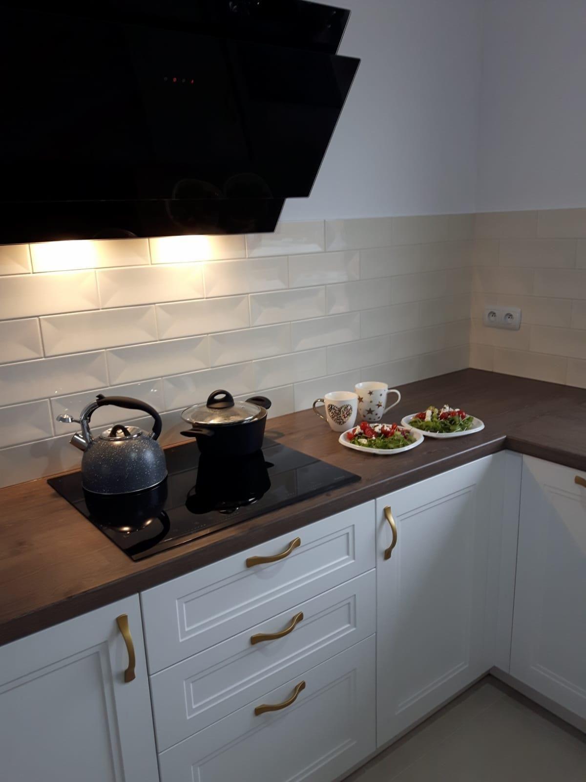 Realizacje Kuchnia Biala Na Wymiar Kazmierz Poznan Kitchen Kitchen Cabinets Home Decor