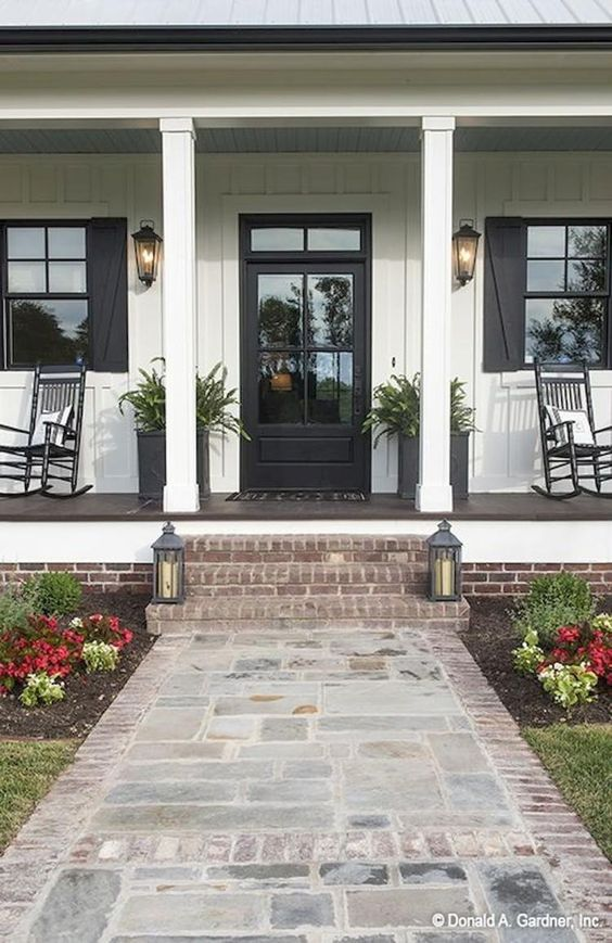 30+ Stunning House Exterior Front Porch for Summer Design - #walkwaystofrontdoor
