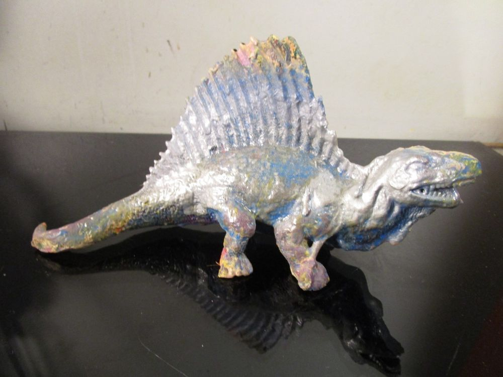 hand painted action figure dinosaur by musk yai