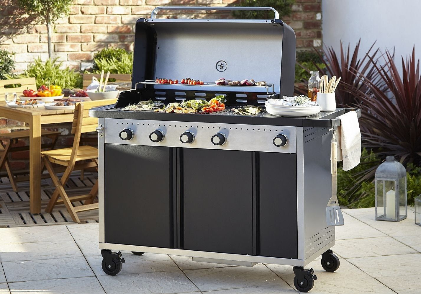 barbecue gaz blooma rockwell 450 noir pas cher prix. Black Bedroom Furniture Sets. Home Design Ideas