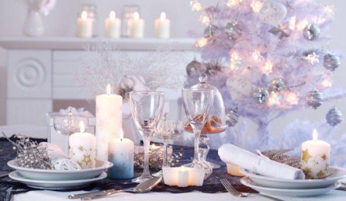 Mooi-gedekte-kerst-tafel.1382360444-van-suuuzann.jpeg (700×408)