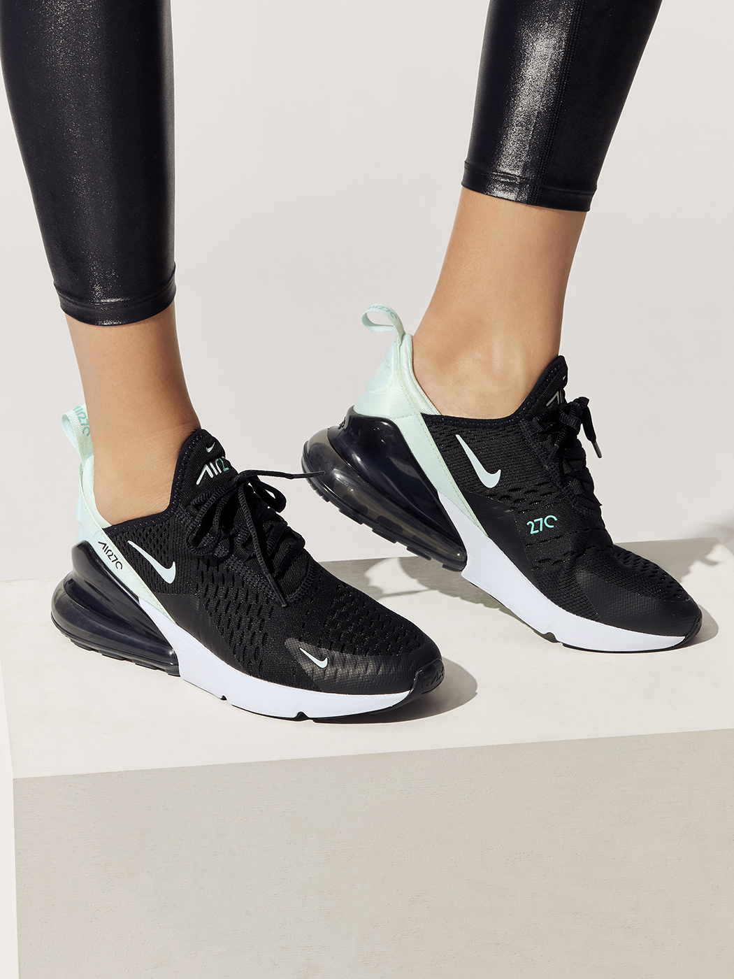 W Air Max 270 in Blackigloo hyper Turq white