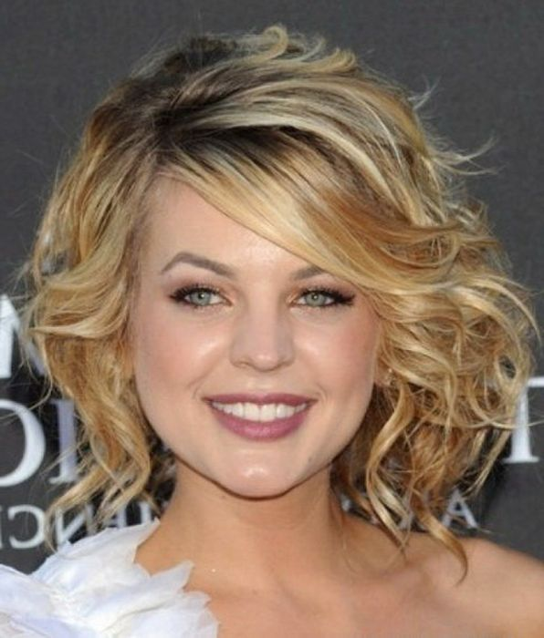Short Hairstyles For Thick Hair Round Face | Hairstyles ...
