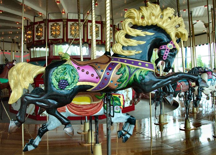 My Favorite Horse From The Jantzen Beach Carousel I Really Hope They Bring It Back Someday Liam Was Too Scared To Ri Carousel Horses Carosel Horse Carousel