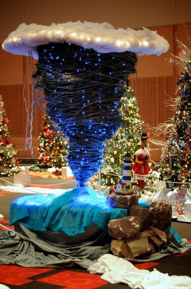 Tornado Xmas Tree Very Awesome Upside Down Christmas Tree Diy Christmas Tree Hanger Christmas Tree
