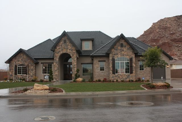 Brick and stucco home pictures.