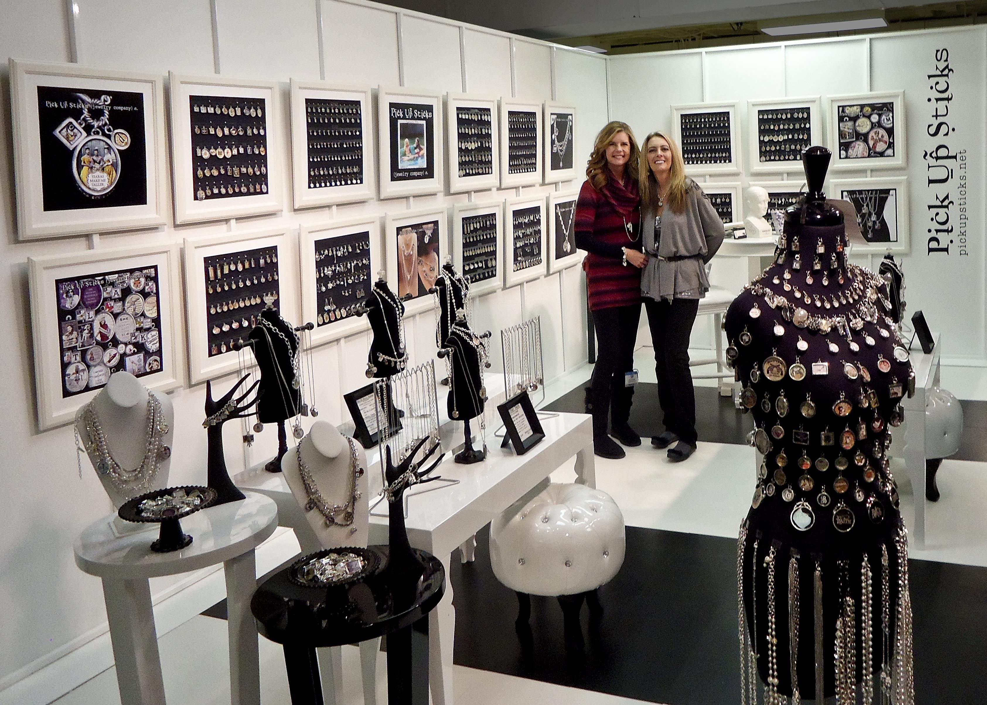 Window display ideas for jewelry  image result for americasmart booth pictures  tradeshow booth