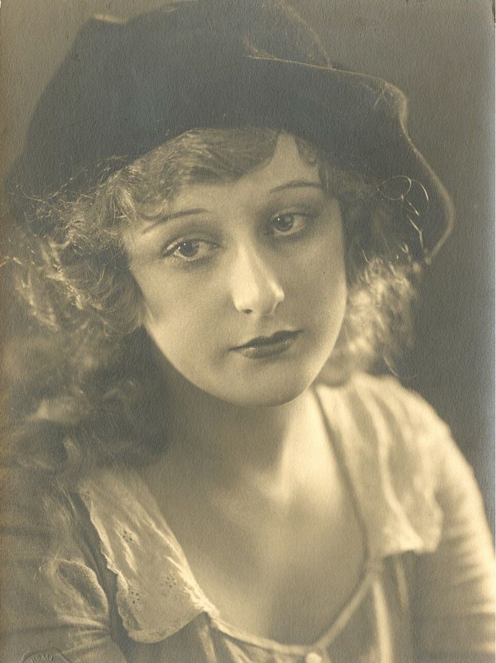 Watch Marina Berti (1924?002) video