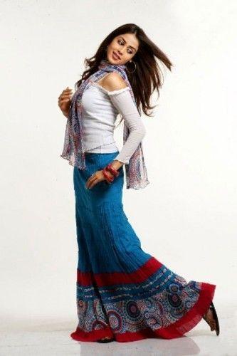 what tops to use when wearing long skirts | Santa Cruz Skirts ...