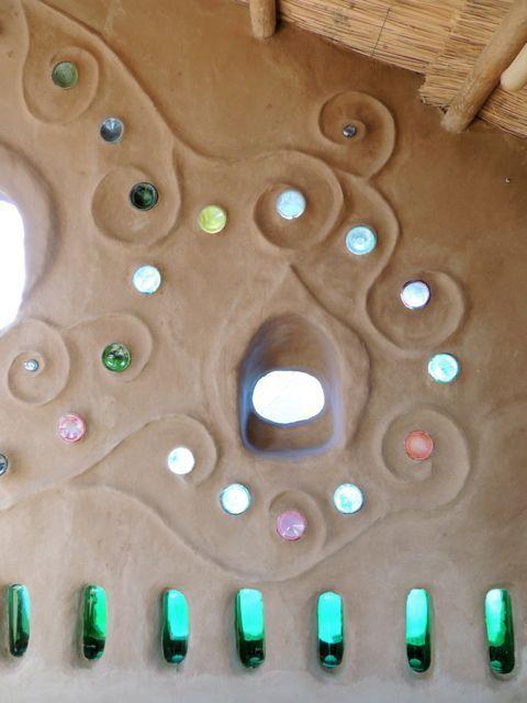 clay plaster walls @ shamballa http://www.shamballapermaculture.com