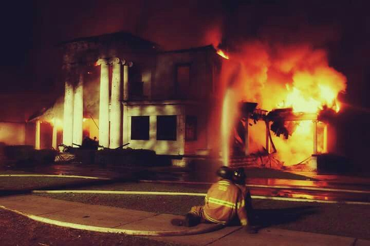 The Old Mcdonald Funeral Home When It Burned Down In 2007 Griffin