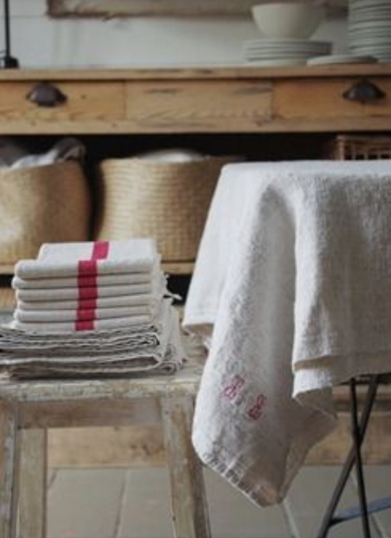 22 Ways To Boost And Refresh Your Bathroom By Adding Wood Accents: Pin By Carmen Chiriac On Lovely Linens & Towels