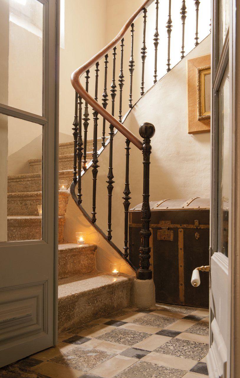 esta ser la escalera que llevar nuestra casa la casa es propiedad de los lic
