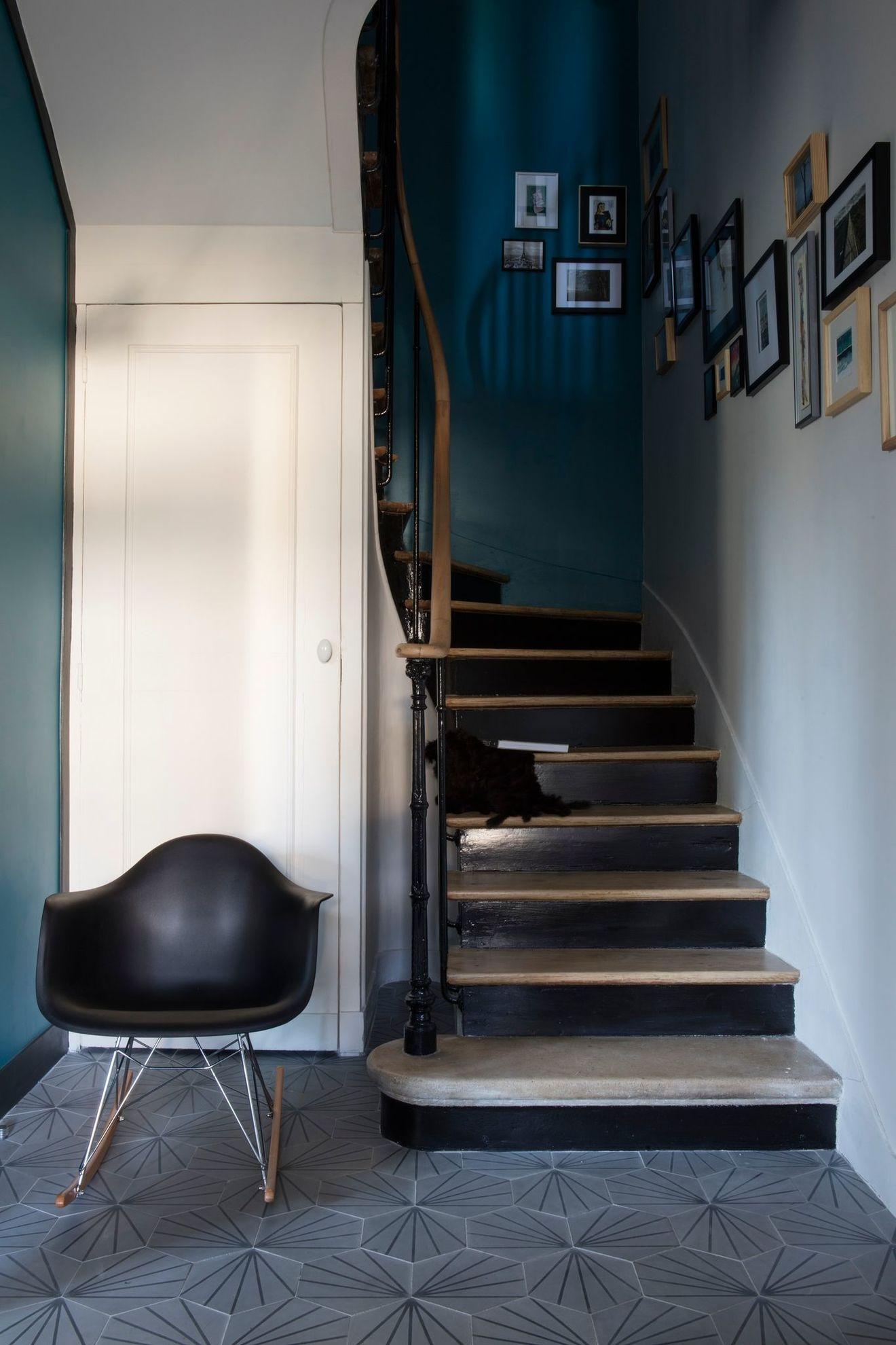 Escalier Dans Maison Ancienne déco cage d'escalier : idées relooking montée d'escalier