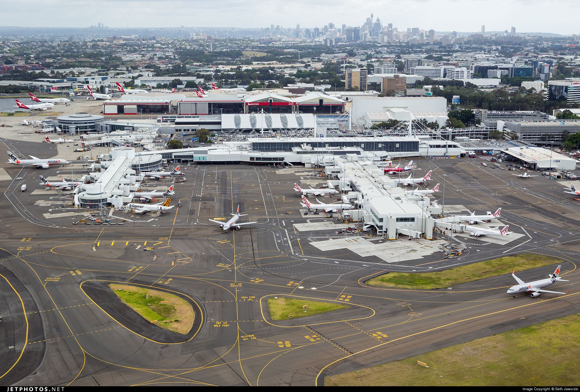 ebb84f12011ab8edaff3f4bcfa6697c8 - How To Get From International To Domestic Terminal Sydney