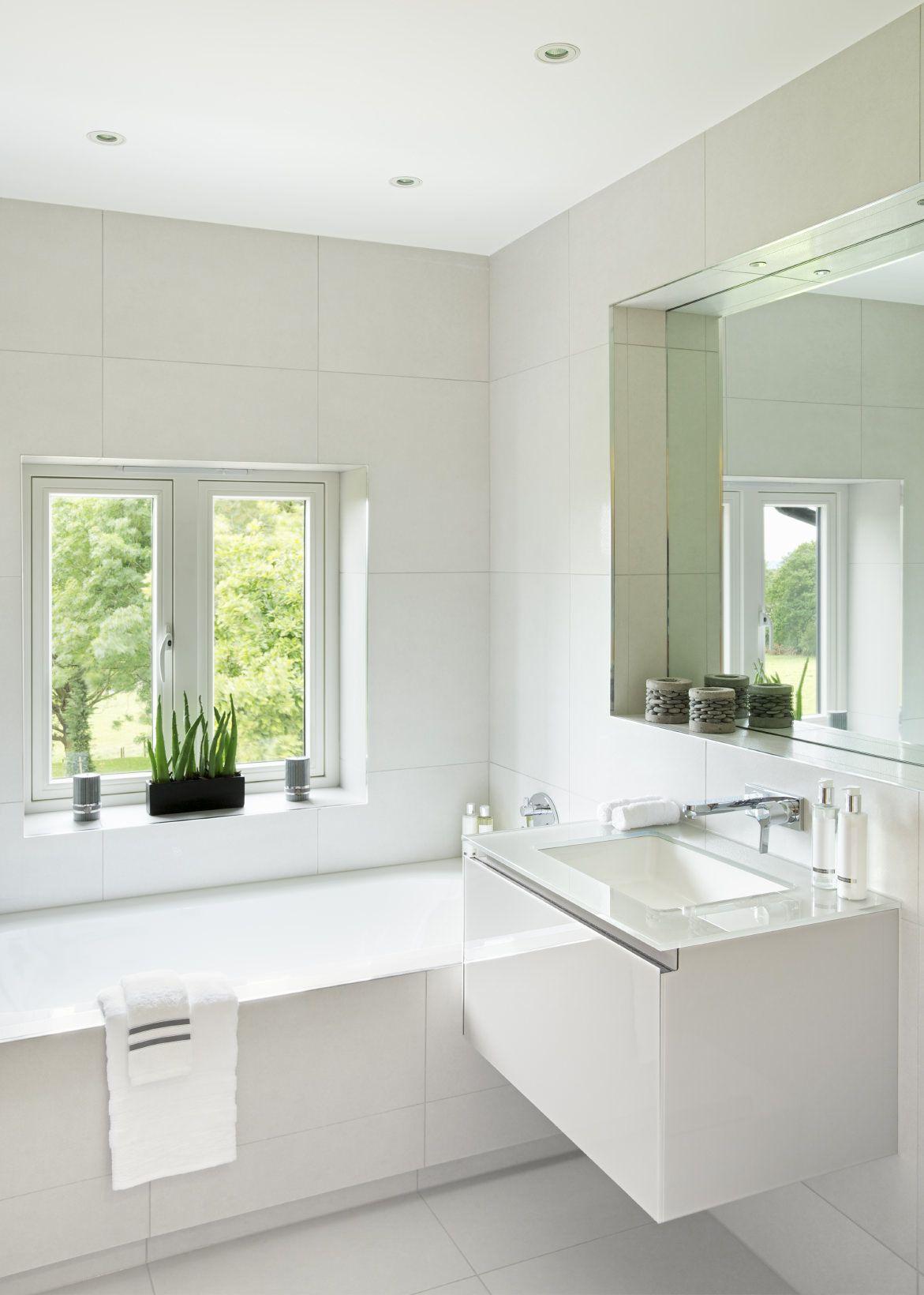 33 Elegant White Master Bathroom Ideas (2020 Photos ...
