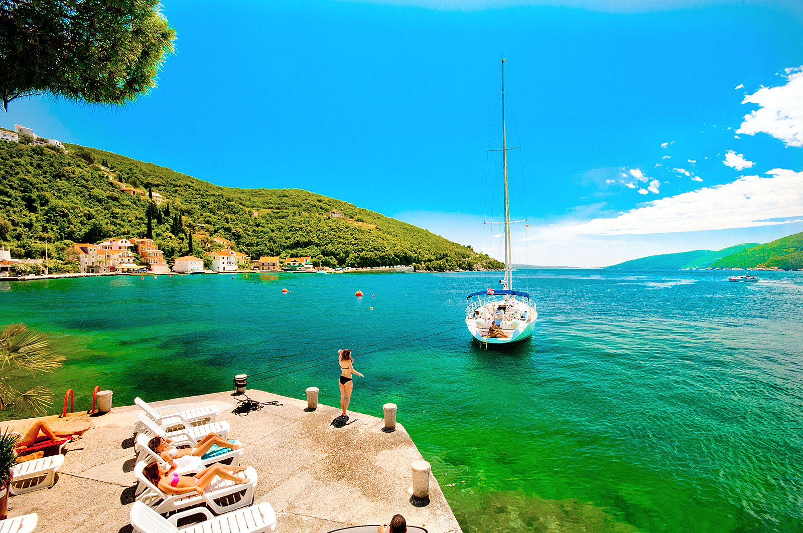 vacances au montenegro Forte Rose Kotor Bay in Montenegro Forte Rosedans les Bouches de kotor au  Monténégro Vacances Montenegro