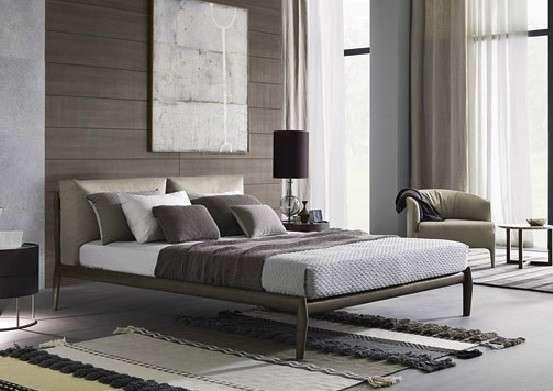 Disposizione mobili in camera da letto - Tappeto della camera da ...