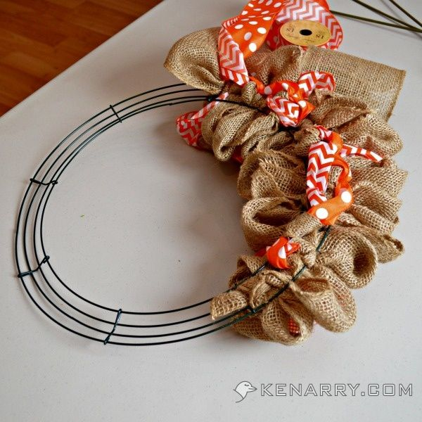 Photo of How to Make a Burlap Wreath With Accent Ribbon