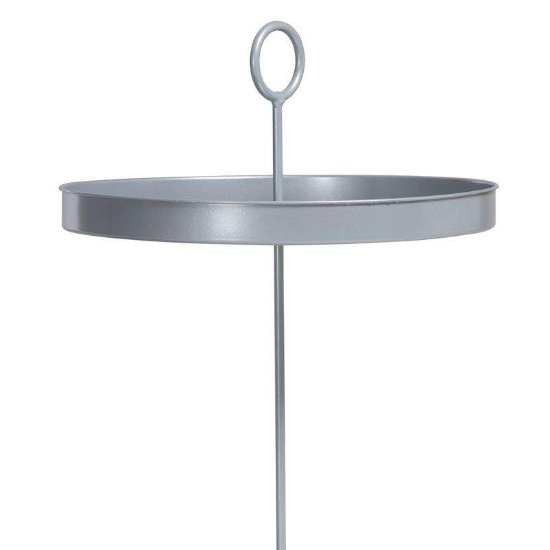 plateau de jardin planter une petite table d 39 appoint planter dans le sol c t de son. Black Bedroom Furniture Sets. Home Design Ideas