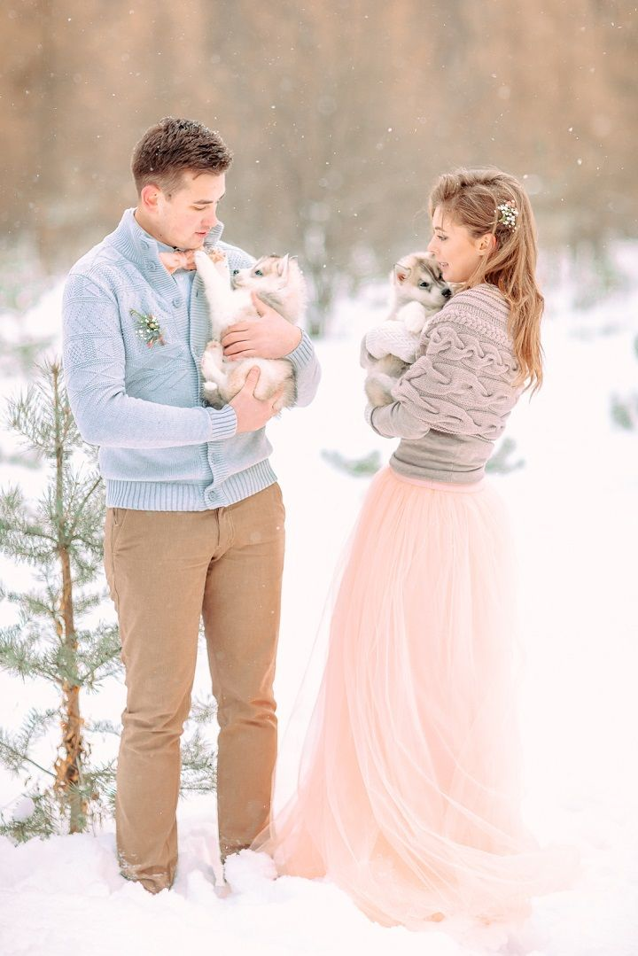 Light blue and peach wedding colours for outdoor winter wedding in the snow | fabmood.com #wedding #winterwedding #outdoorwedding #snow #bride #weddingdress #peach