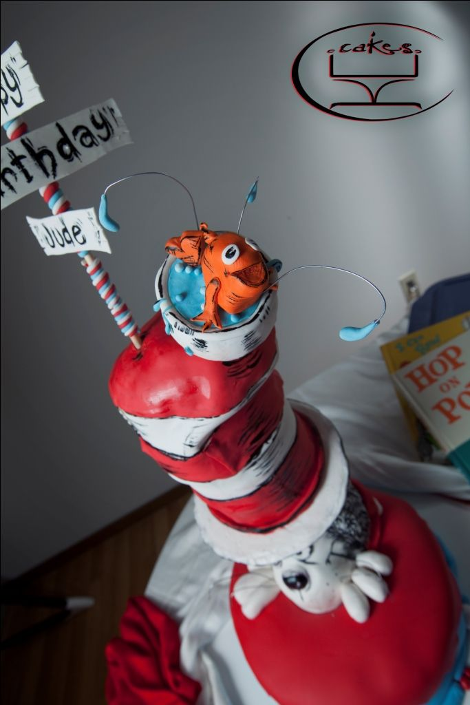 Cat in the Hat cake   www.facebook.com/kccakes