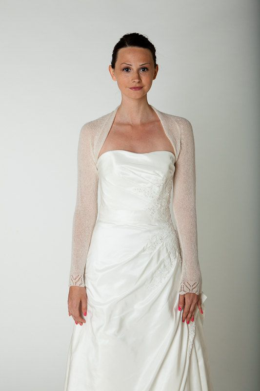 bridal shrug for your wedding dress with lace sleeve knitted