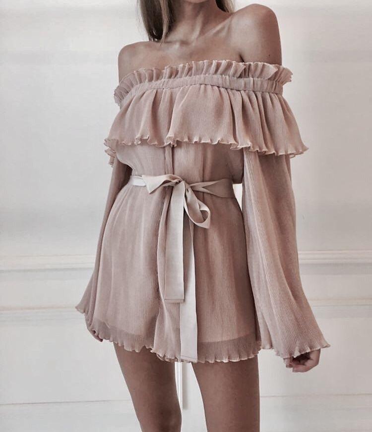 Vestiti Eleganti We Heart It.Fashion E Dress Imagem No We Heart It Abbigliamento Stile Di