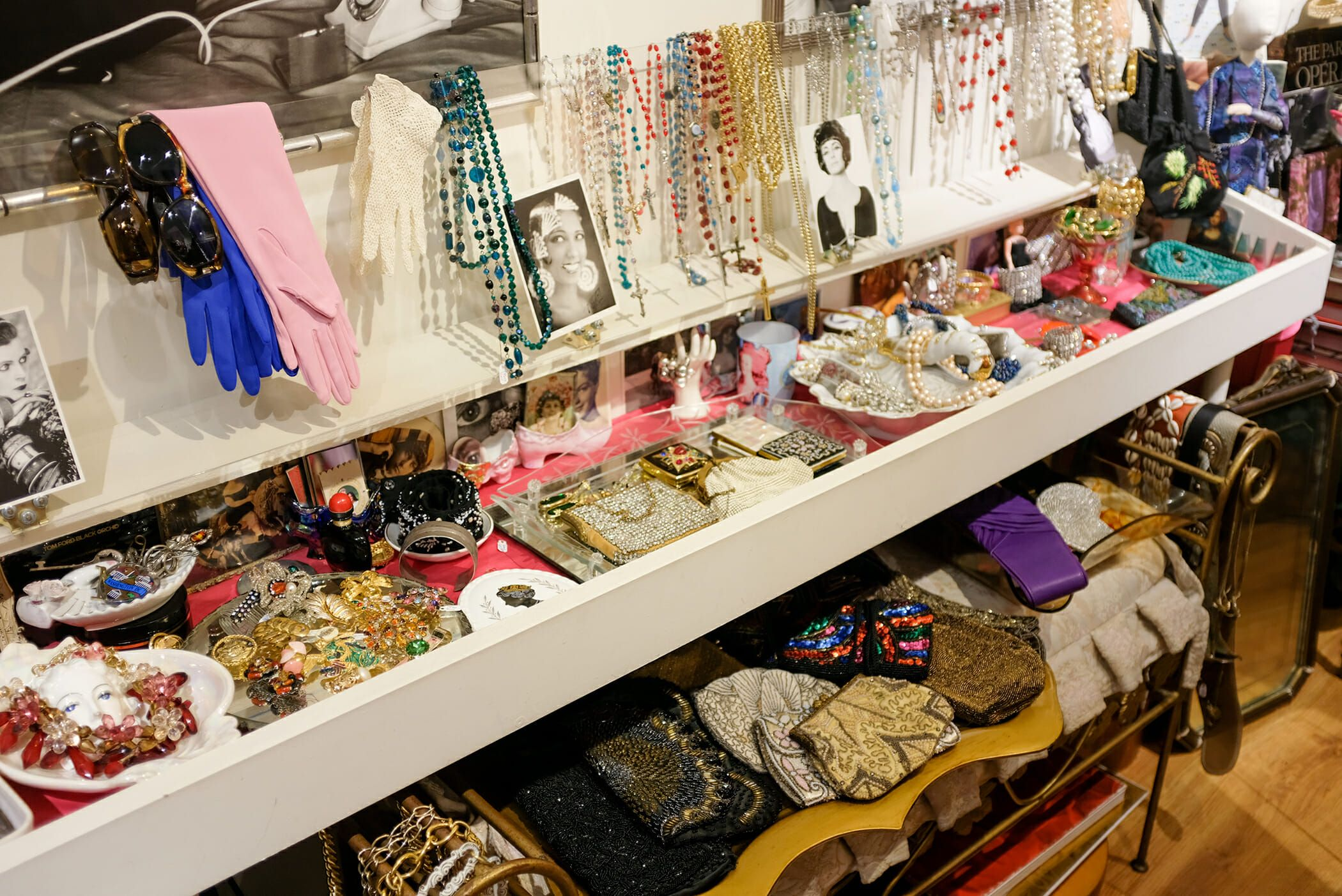 baadfb8bab A Guide to the Best Vintage and Thrift Stores in New York | Vintage ...