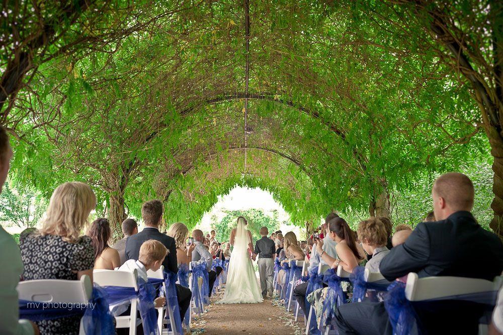 garden party wedding venues melbourne%0A Aisle at alowyn gardens
