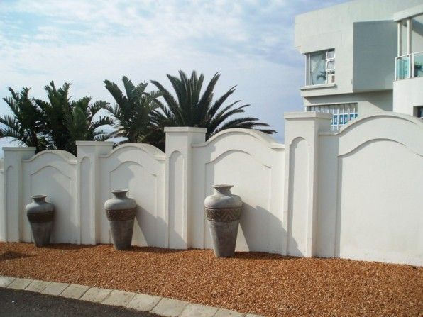 Boundary Walls House In Mossel Bay Central Ref 117006 Lew Geffen Sotheby S Boundary Walls Gate Wall Design Modern Fence