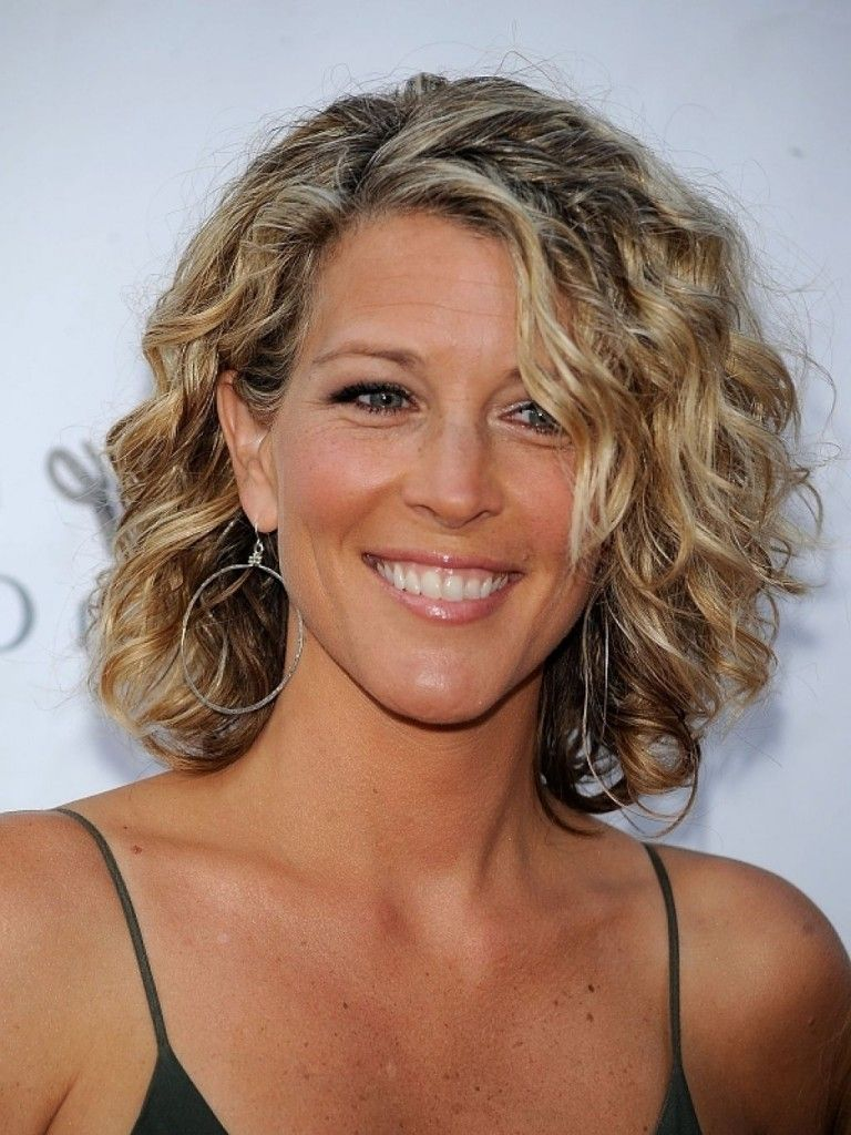 short-hairstyles-for-older-women-short-curly - How To Get Famous