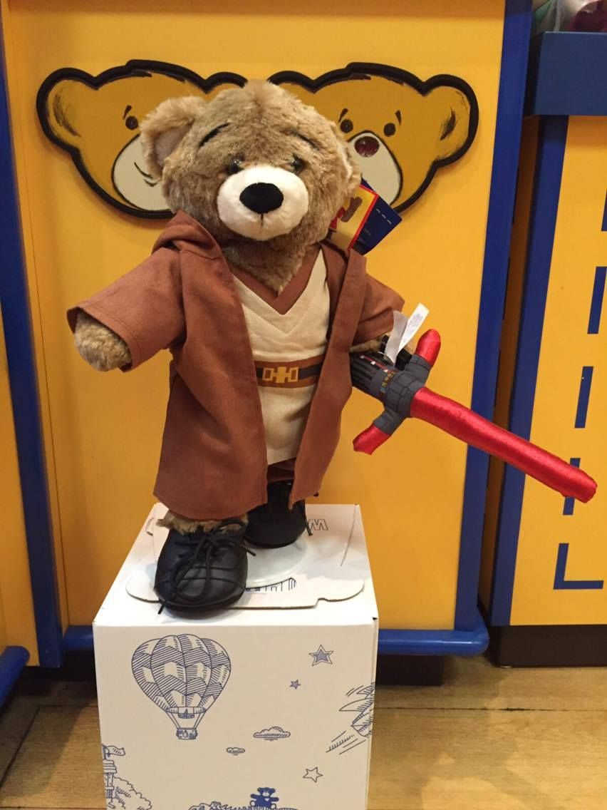 Ven a Build-A-Bear Workshop® y adquiere a unos de tus personajes favoritos de #StarWars
