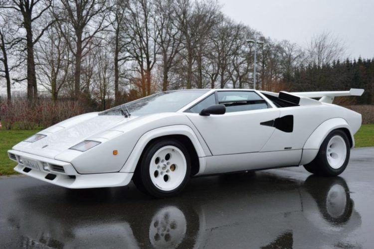 The History And Evolution Of The Lamborghini Countach Sports Cars