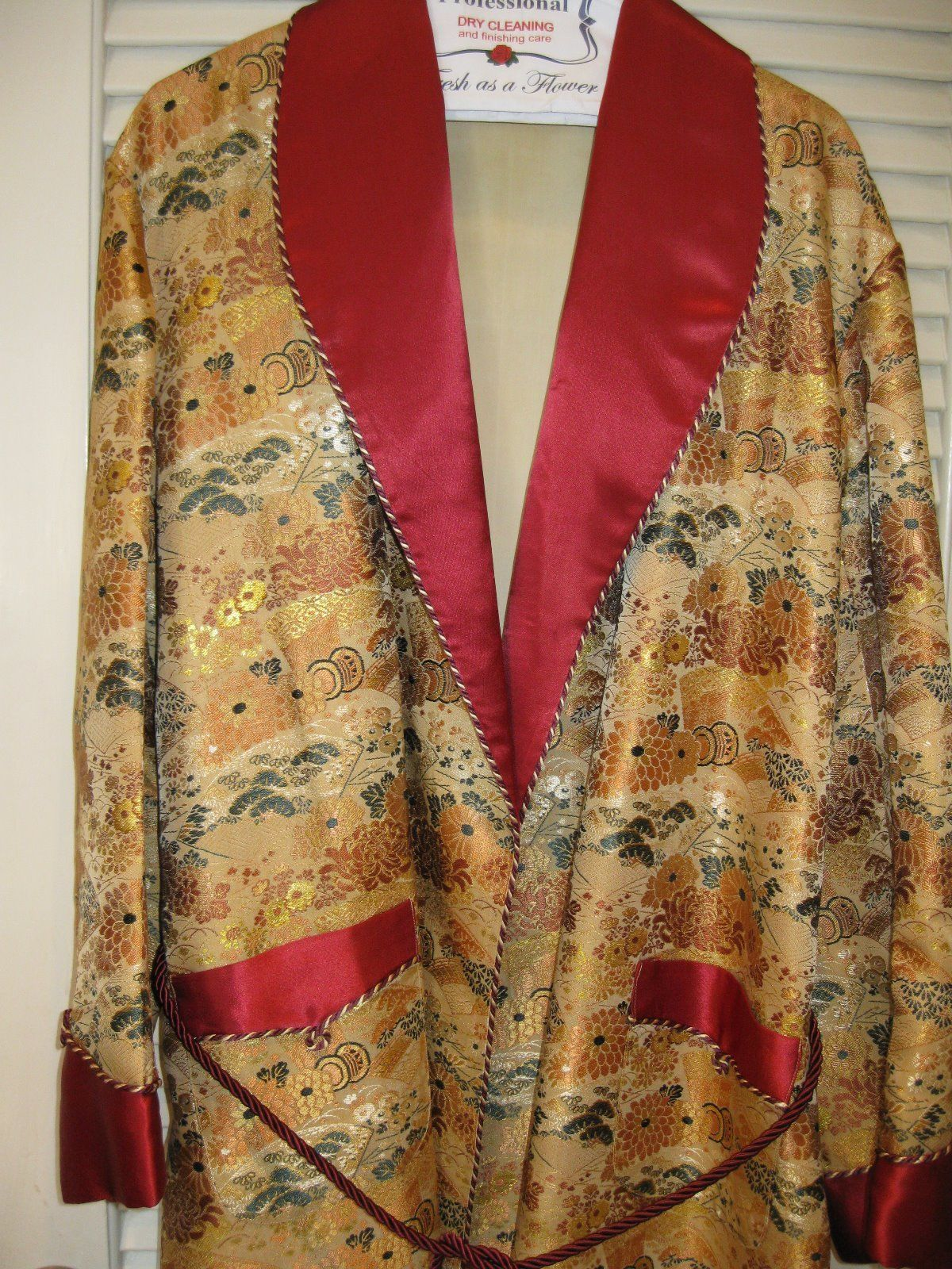 95 99 Vintage Japanese Mens Dressing Gown Robe Brocade