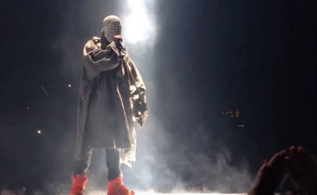 Watch Every One Of Kanye West S Yeezus Tour Rants Yeezus Yeezus Tour Kanye West Yeezus