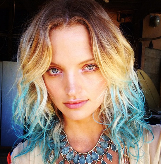 Go Bohemian With A Blue Dip Dyed Hair Tips 3 Bluehair Dipdye Valentinesdayhair Pastelhair Pastelblue Dipped Hair Dip Dye Hair Short Blonde Hair