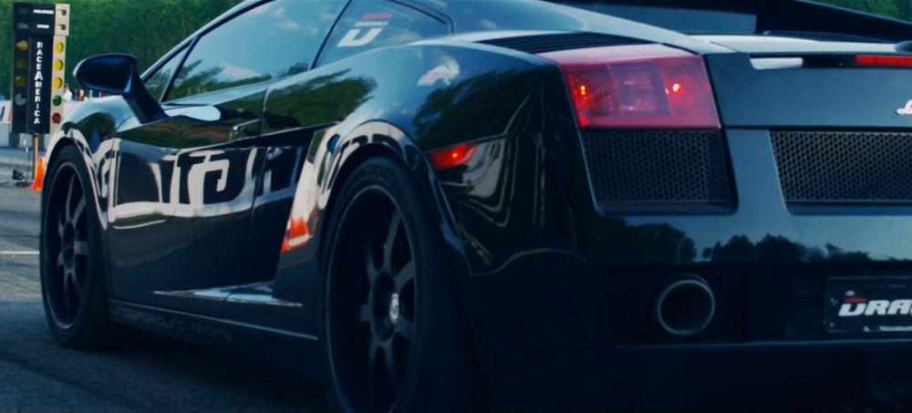 Video : Racing to 405 km an hour (250 miles/h) in a Lamborghini Gallardo.