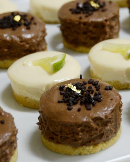 Já falei antes aqui no blog sobre a minha paixão por comidinhas em tamanho mini. Amo muito!! Essas tortinhas em miniatura, além do visual…